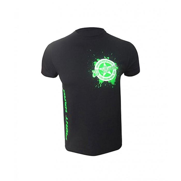 camiseta de hombre negra con logo en flúor pequeño en el pecho